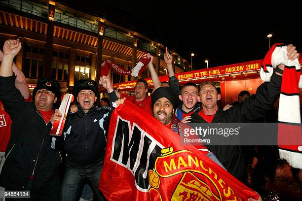 Manchester United supporters celebrate near the Luzhniki stadium after the soccer club defeated Chelsea in the Champions League final in Moscow...