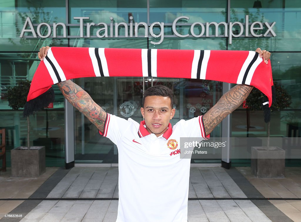 Manchester United Unveil New Signing Memphis Depay : News Photo