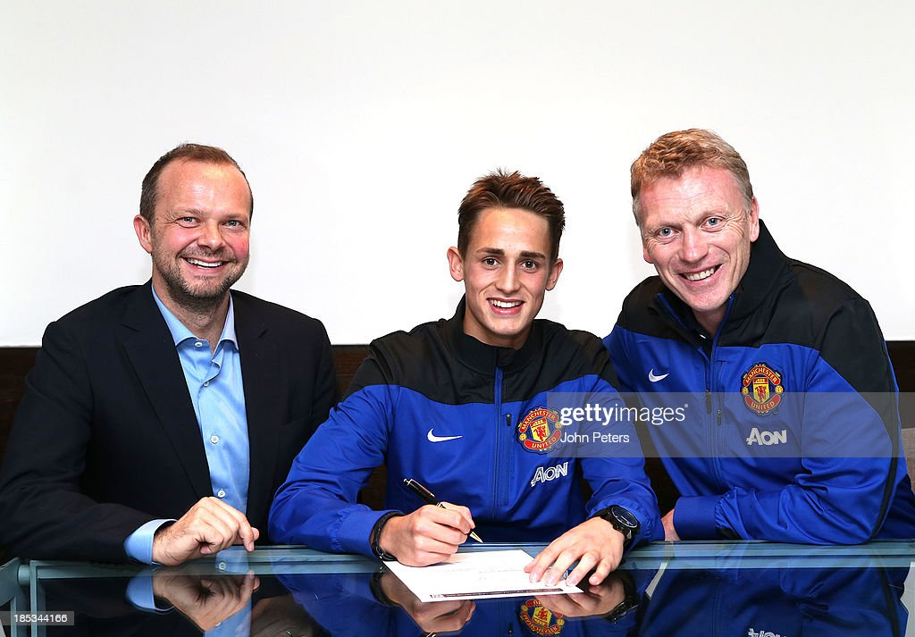 Adnan Januzaj Signs 5 Year Contract At Manchester United