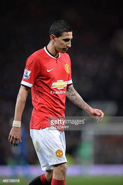 Manchester United's Argentinian midfielder Angel Di Maria is sent off by referee Michael Oliver after Di Maria is penalised for simulation and then...