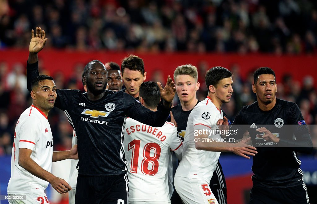 FBL-EUR-C1-SEVILLA-MAN UTD : News Photo