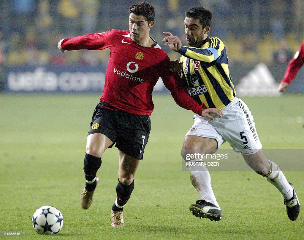 Manchester United's Cristiano Ronaldo (L : News Photo