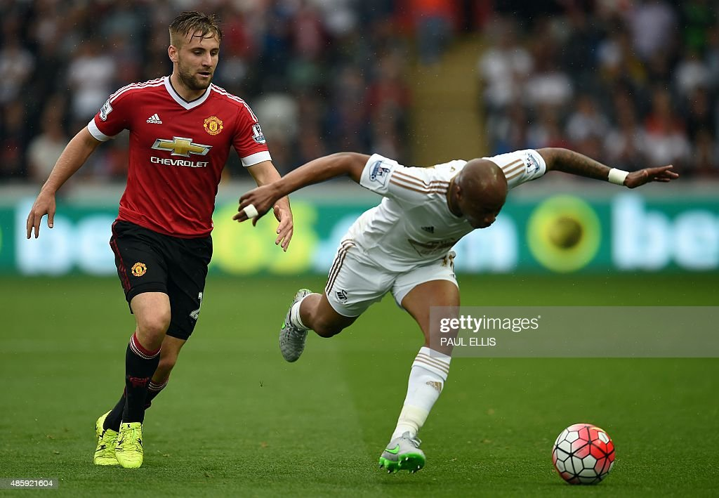 FBL-ENG-PR-SWANSEA-MAN UTD : News Photo