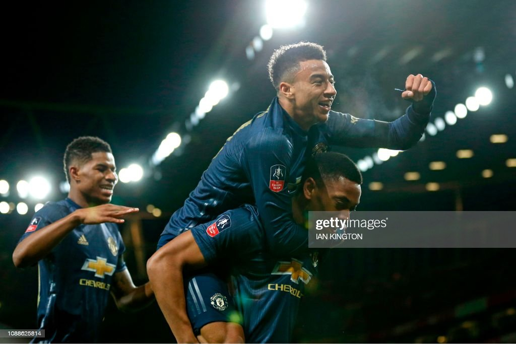FBL-ENG-FACUP-ARSENAL-MAN UTD : News Photo