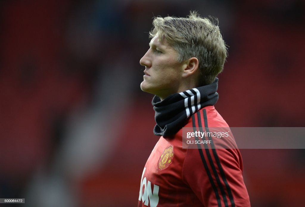 Manchester United's German midfielder Bastian Schweinsteiger warms up before the English Premier League football match between Manchester United and West Ham United at Old Trafford in Manchester, north west England, on December 5, 2015. /