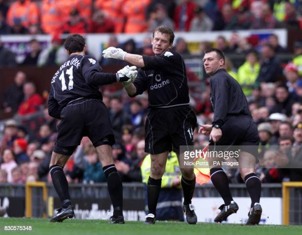 LEAGUE Manchester United's GoalkeeperAndy Goram is replaced in the second half by Raimond van der Gouw against Coventry City during the FA Carling...