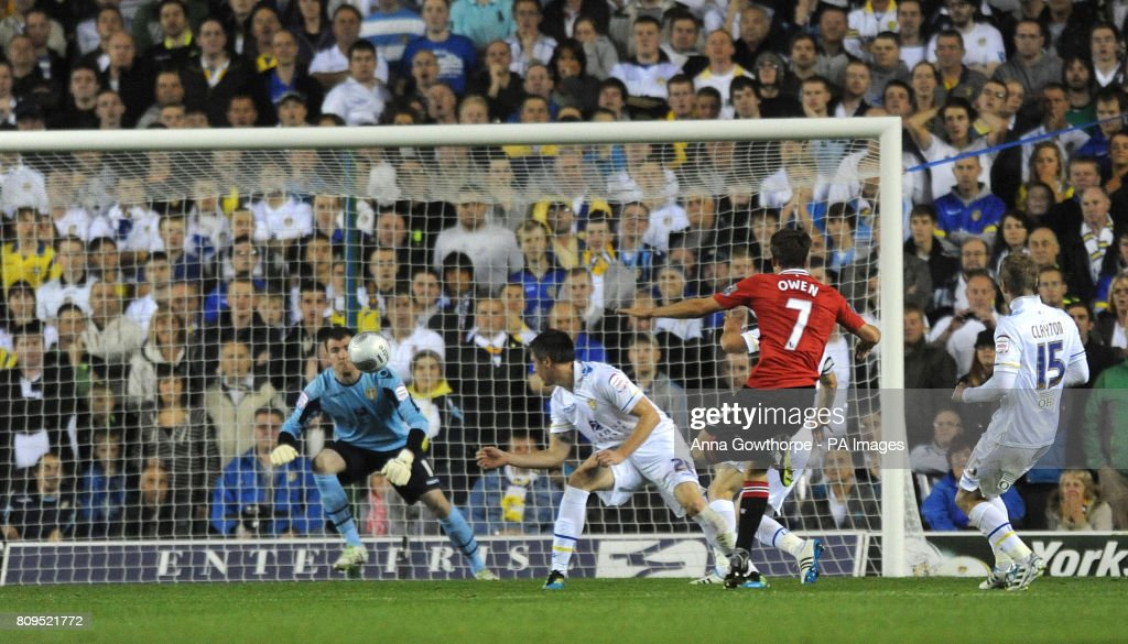 Soccer - Carling Cup - Third Round - Leeds United v Manchester United - Elland Road : News Photo