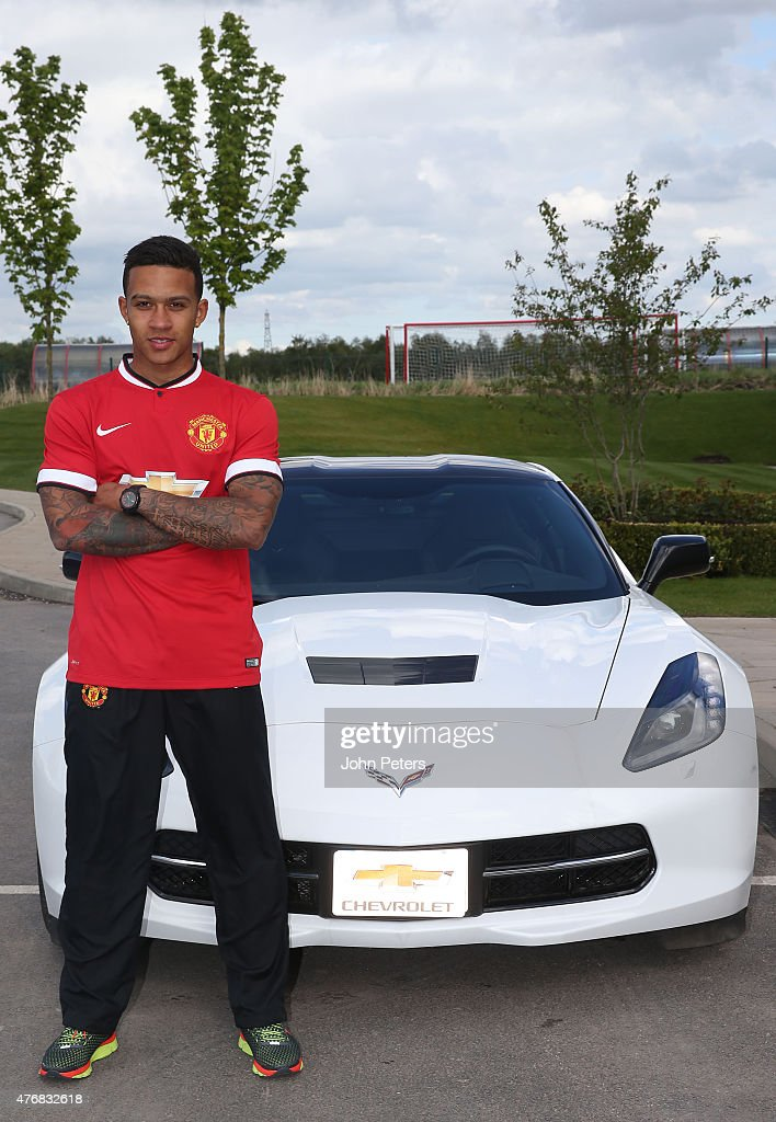 Manchester United Unveil New Signing Memphis Depay Photos And