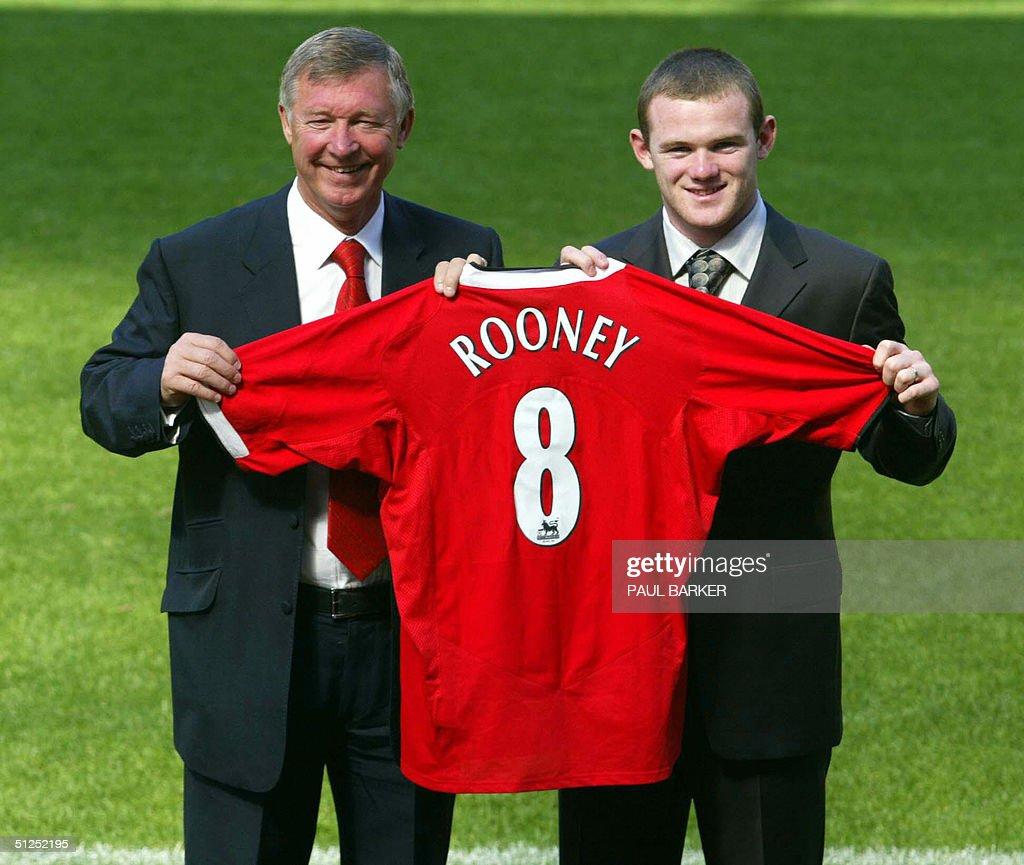 Manchester United's new signing Wayne Ro : News Photo
