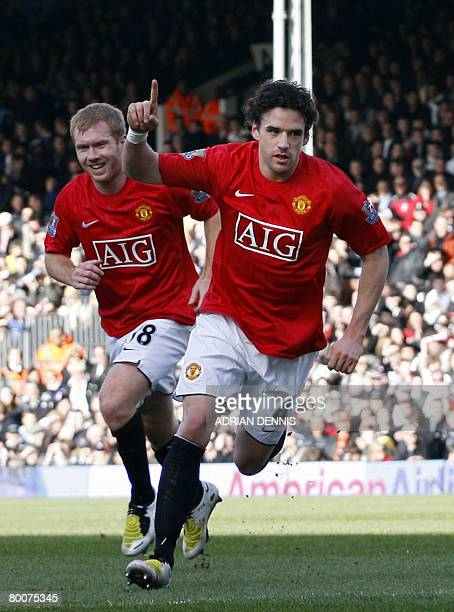 Manchester United's Owen Hargreaves celebrates scoring the opening goal against Fulham during the Premiership football match at Craven Cottage in...