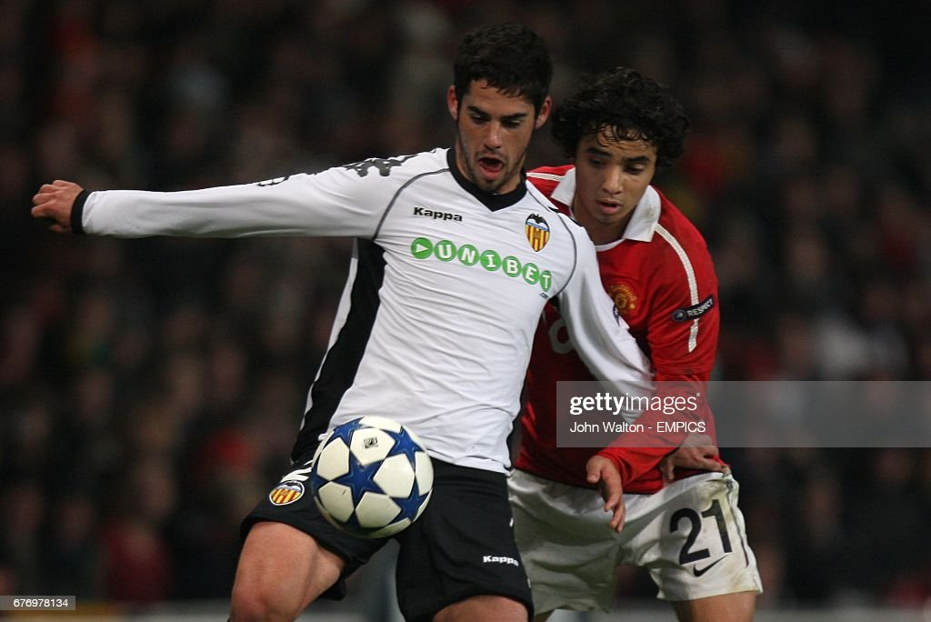 Soccer - UEFA Champions League - Group C - Manchester United v Valencia - Old Trafford : Photo d'actualité