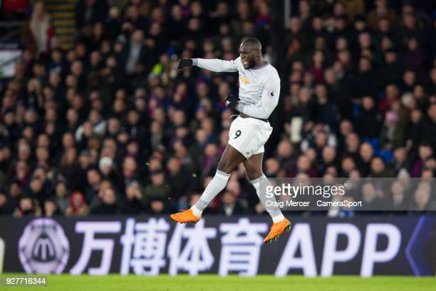 Manchester United's Romelu Lukaku celebrates scoring his side's equalising goal to make the score 22 during the Premier League match between Crystal...