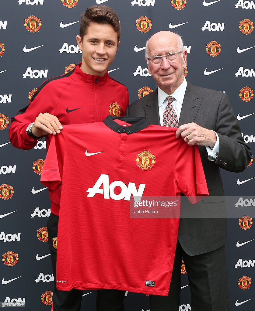 Ander Herrera Arrives At Manchester United Training Ground Ahead Of Medical : ニュース写真