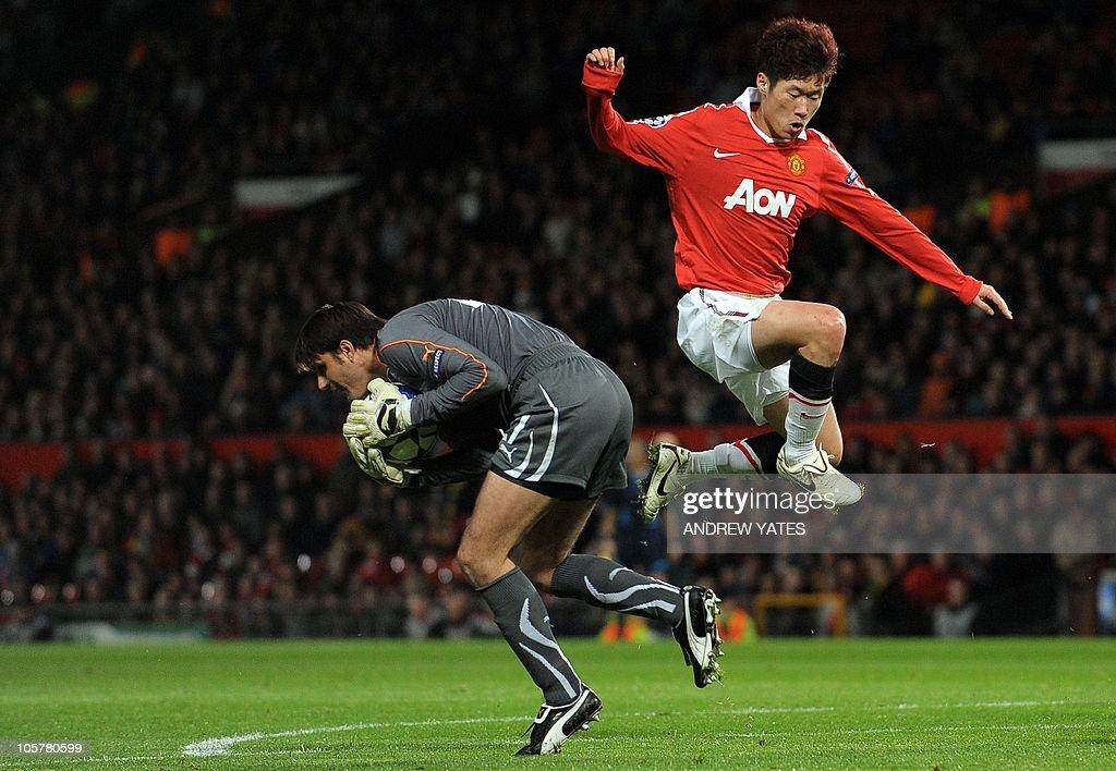 Manchester United's South Korean midfiel : News Photo