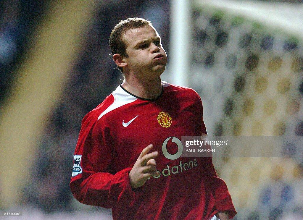 Manchester United's Wayne Rooney celebra : News Photo