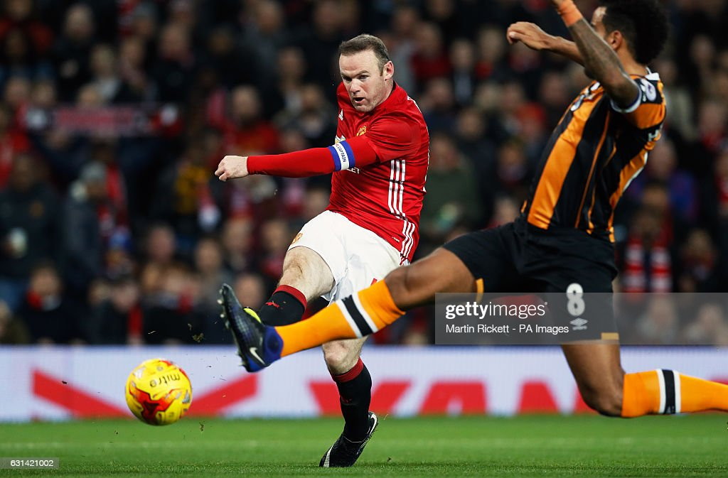 Manchester United v Hull City - EFL Cup - Semi Final - First Leg - Old Trafford : News Photo