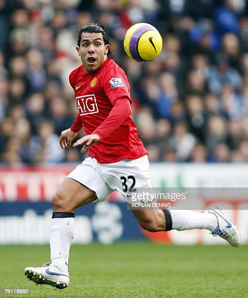 Manchester Unitied's Argentine player Carlos Tevez against Reading during the Premiership match at the Madejski Stadium in Reading 19 January 2008....