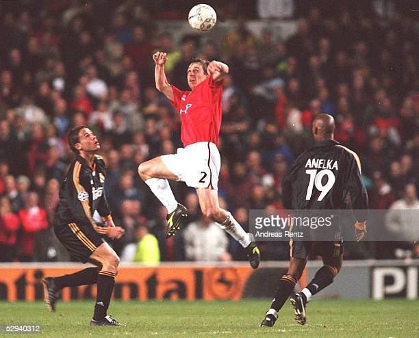 LEAGUE 99/00 Manchester/ENG MANCHESTER UNITED REAL MADRID 23 REDONDO/MADRID Garry NEVILLE/MANCHESTER Nicolas ANELKA/MADRID