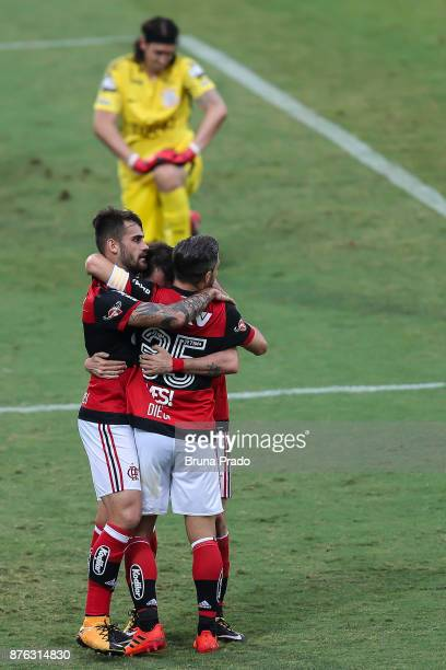 Mancuello Diego and Felipe Vizeu of Flamengo during the Brasileirao Series A 2017 match between Flamengo and Corinthians at Ilha do Urubu Stadium on...