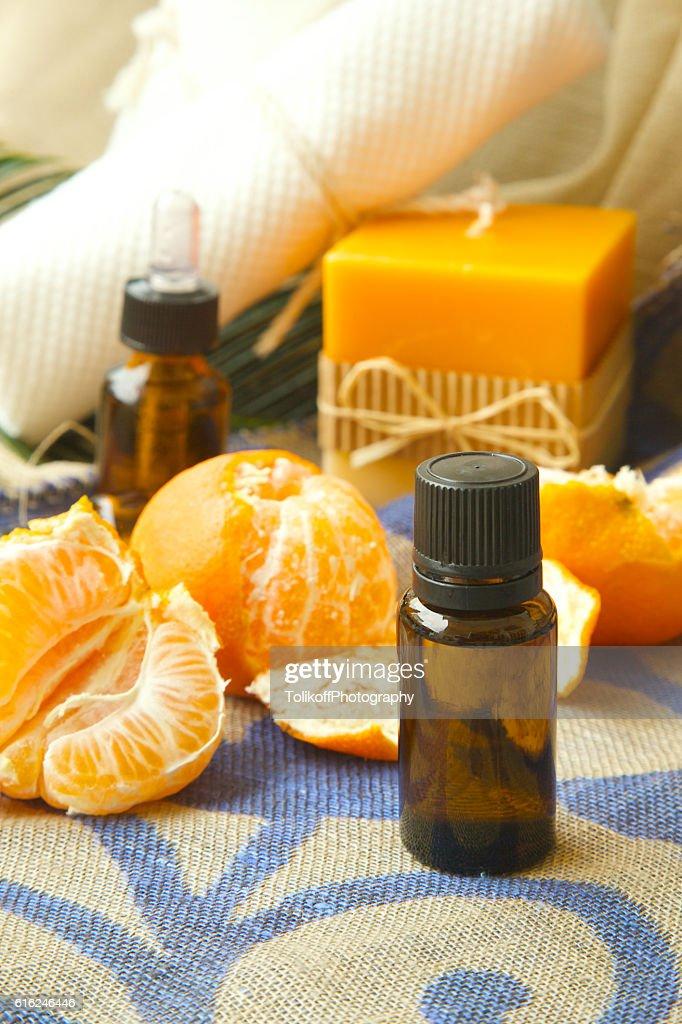 Mandarin essential oil : Foto de stock