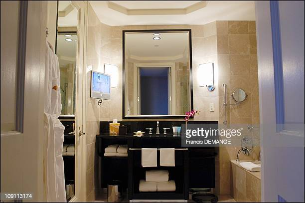 Mandarin Oriental Hotel Nyc Opens Its Presidential Suite The Most Expensive In All Of Big Apple On March 1 2004 In New York United States Each Room...