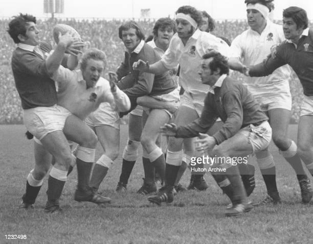 LOOKS ON Mandatory Credit Allsport Hulton/Archive