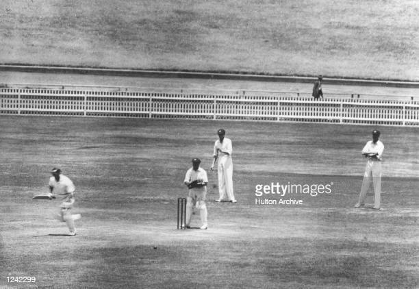 AUSTRALIA THE BODYLINE TOUR THE FIRST TEST IN SYDNEY WHICH ENGLAND WON BY TEN WICKETS SUTCLIFFE IS SEEN HITTING THE WINNING RUN IN THE BACKGROUND CAN...