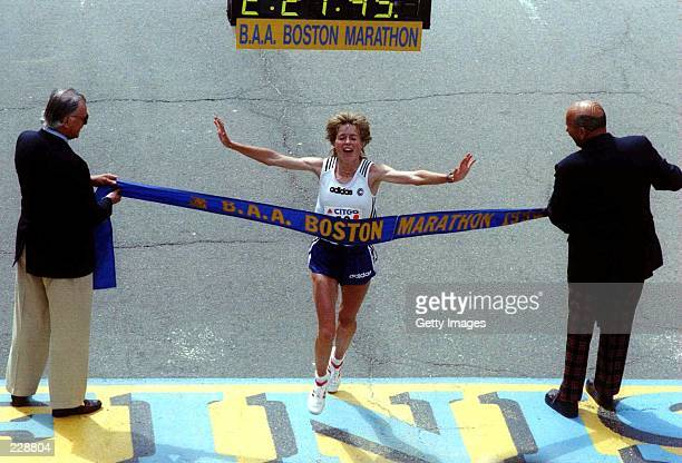 WOMEN'' PORTION OF THE BOSTON MARATHON PIPPIG SET A COURSE RECORD FOR WOMEN FINISHING WITH A TIME OF 22145 Mandatory Credit Allsport/ALLSPORT
