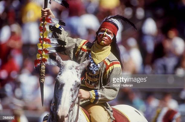 SEMINOLE 'CHIEF' GALLOPS UP THE SIDELINES OF DOAK CAMPBELL FIELD DURING FLORIDA STATE''S 510 WIN OVER GEORGIS TECH Mandatory Credit Scott...