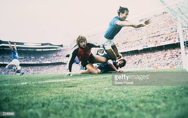 CELEBRATES SCORING ITALY''S FIRST GOAL DURING THEIR 31 VICTORY OVER WEST GERMANY IN THE 1982 WORLD CUP FINAL Mandatory Credit Steve Powell/ALLSPORT