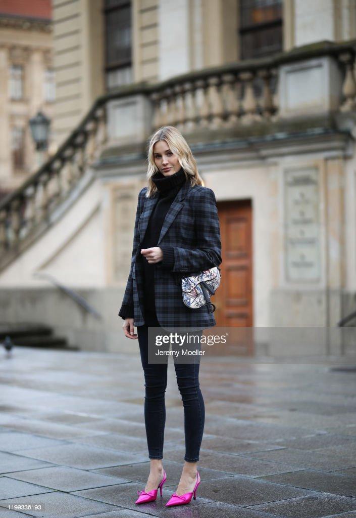 Street Style - Berlin Fashion Week Autumn/Winter 2020 - January 13, 2020 : ニュース写真