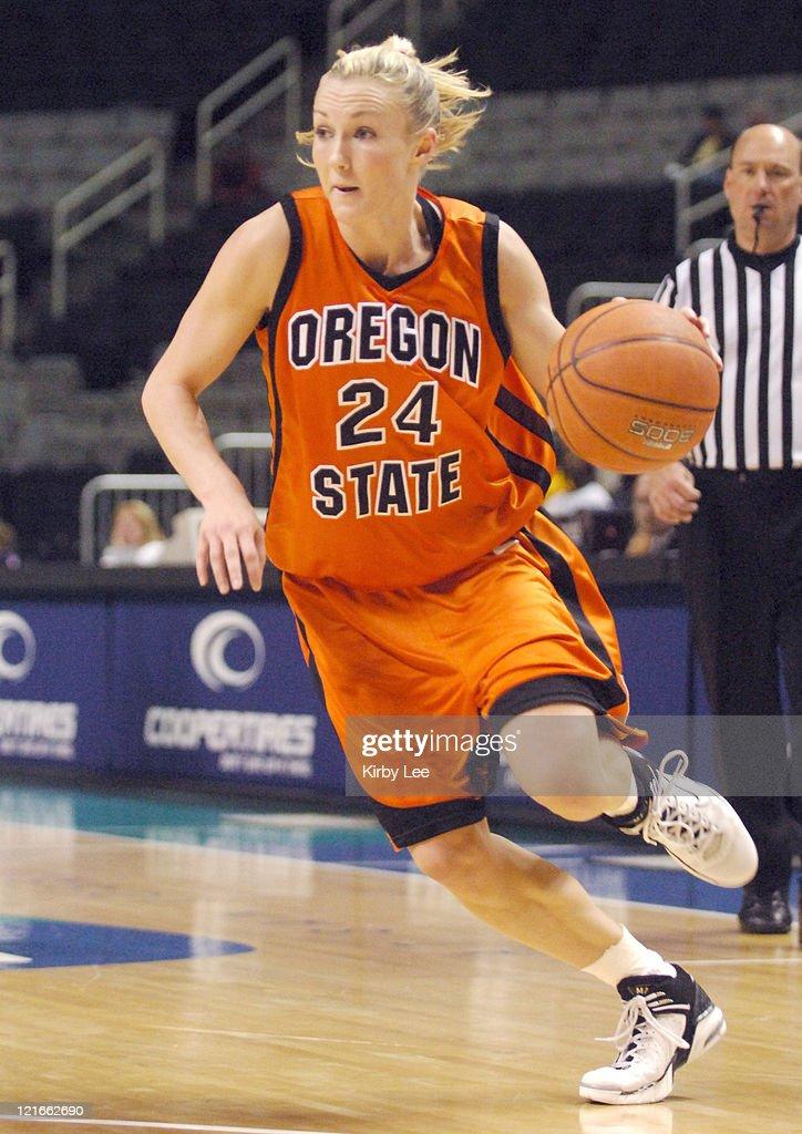 NCAA Women's Basketball - Pacific-10 Tournament Quarterfinals - Oregon St. vs Arizona St. : News Photo