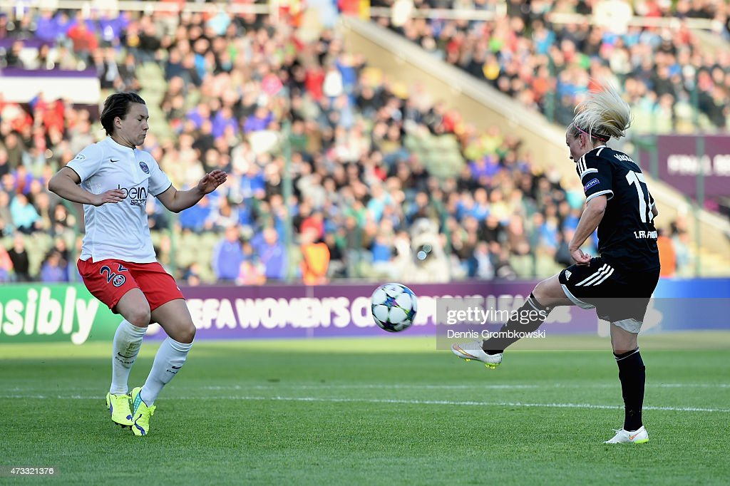Mandy Islacker of 1. FFC Frankfurt scores the second goal during the UEFA Women's Champions League Final between 1. FFC Frankfurt and Paris St. Germain at Friedrich-Ludwig-Jahn Sportpark on May 14, 2015 in Berlin, Germany.