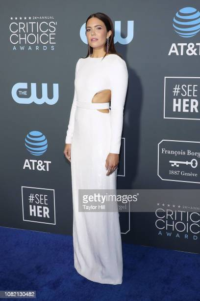 Mandy Moore attends The 24th Annual Critics' Choice Awards at Barker Hangar on January 13 2019 in Santa Monica California