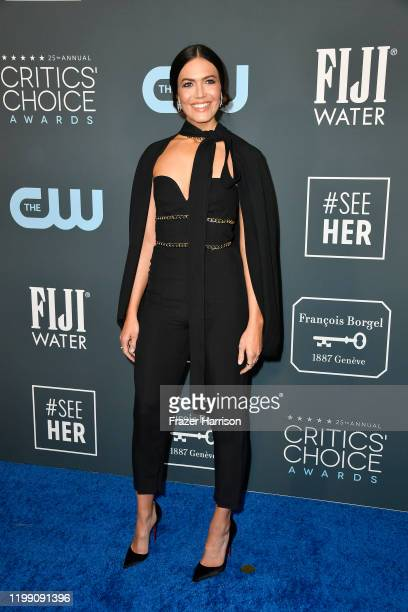 Mandy Moore attends the 25th Annual Critics' Choice Awards at Barker Hangar on January 12, 2020 in Santa Monica, California.