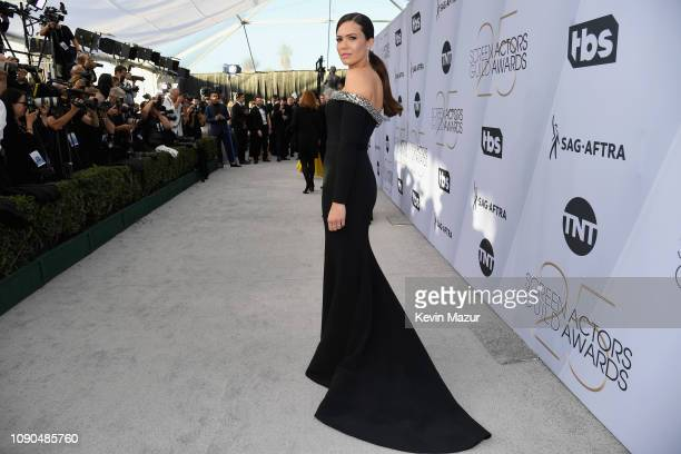 Mandy Moore attends the 25th Annual Screen Actors Guild Awards at The Shrine Auditorium on January 27 2019 in Los Angeles California 480568