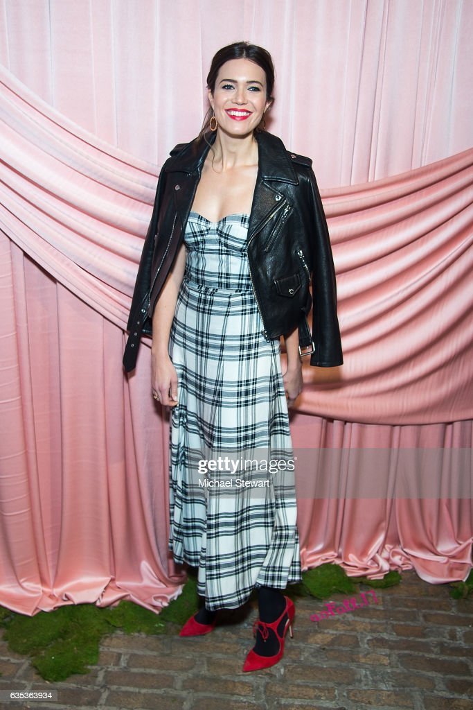 Mandy Moore attends the Alice + Olivia by Stacey Bendet presentation during February 2017 New York Fashion Week at Highline Stages on February 14, 2017 in New York City.