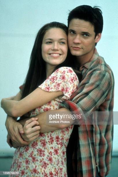 Mandy Moore is held by Shane West in a scene from the film 'A Walk To Remember' 2002
