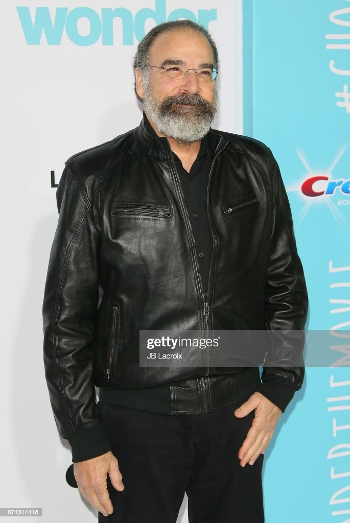 Mandy Patinkin attends the premiere of Lionsgate's 'Wonder' on November 14, 2017 in Los Angeles, California.