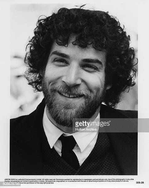 """Mandy Patinkin looks on in a scene in the movie """"Yentl"""" circa 1983."""
