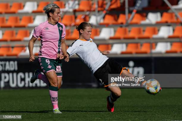 Mandy Van Den Berg of Valencia CF in action during the Spanish League Primera Iberdrola women football match played between Valencia CF Femenino and...