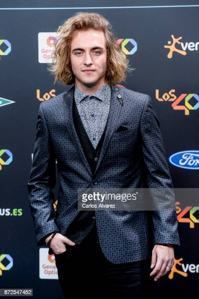 Manel Navarro attends 'Los 40 Music Awards' photocall at WiZink Center on November 10 2017 in Madrid Spain