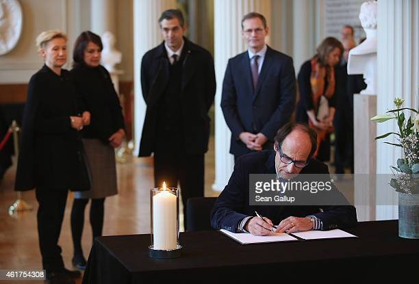 Manfred Bockelmann brother of Austrianborn singer and entertainer Udo Juergens signs a book of condolences for Juergens as Juergens's daughter Sonja...