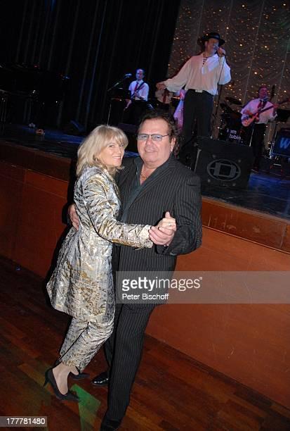 Manfred Durban Ehefrau Helene GeburtstagsParty zum 70 Geburtstag von T O N Y M A R S H A L L Kurhaus BadenBaden BadenWürttemberg Deutschland Europa...