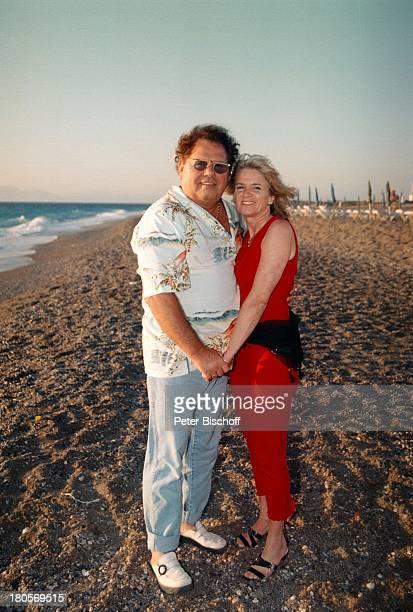 Manfred Durban Ehefrau HeleneRhodos/Griechenland Strand UrlaubZDFShow 'Die Flippers' Umarmung