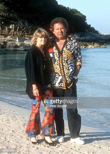 """Manfred Durban und Ehefrau Helene, 1. ZDF-TV-Special """"Die Flippers auf Mallorca"""" zum 25-jährigen Jubiläum am , Insel Mallorca, Balearen, Spanien."""