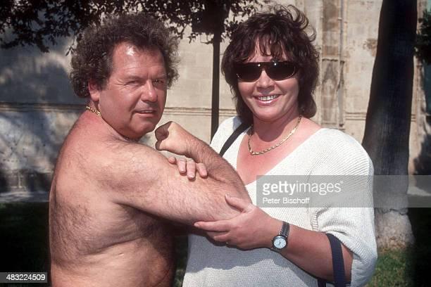 Manfred Durban und Sonja Malolepski 1 ZDFTVSpecial 'Die Flippers auf Mallorca' zum 25jährigen Jubiläum am Insel Mallorca Balearen Spanien