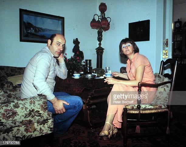 Manfred Krug mit Ehefrau Ottilie Homestory Berlin Deutschland Europa