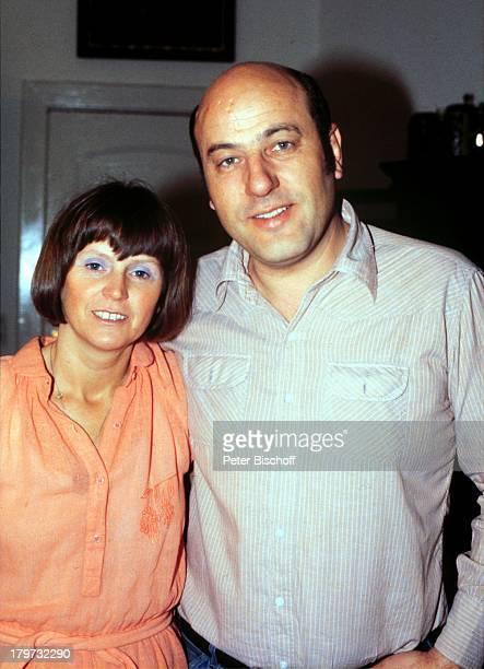 Manfred Krug mit Ehefrau Ottilie Homestory Berlin Deutschland Europa 1980