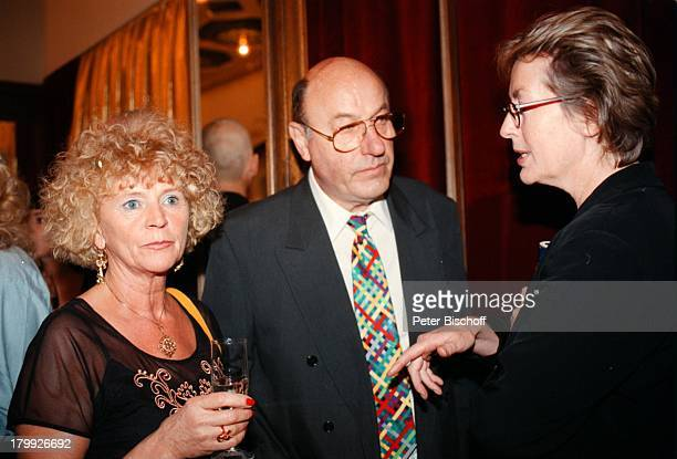 Manfred Krug mit Ehefrau Ottilie undRosemarie Wintgen RTLLöwenVerleihungDer Goldene Löwe